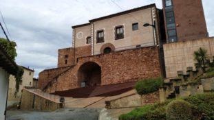 Castell de Vacarisses – (1 hora)