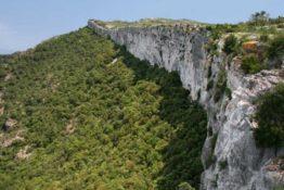 La serra de Llaberia. De Pratdip al Mont-redon i al Cavall Bernat